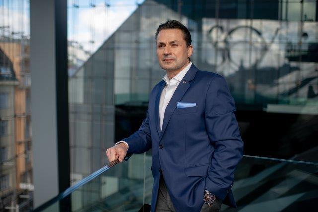 Holger Thorsten Schgubart, генеральный директор Neutrino Energy Group