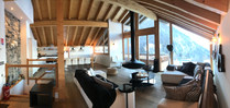Panorama du salon de chalet design