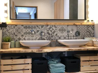 salle de bain bois brut.JPG