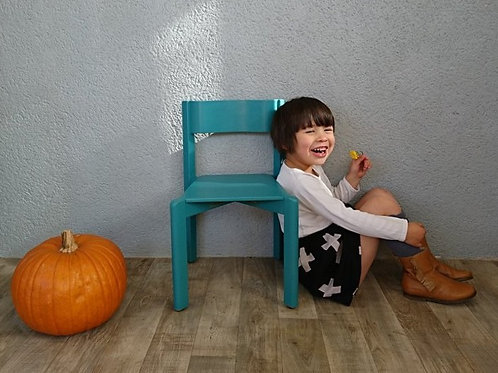 Chaise de maternelle bleu vardo