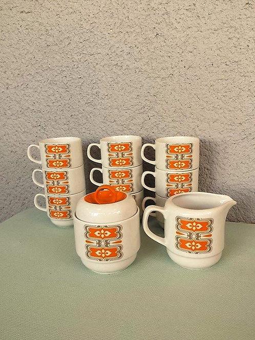 9 tasses à café + pot à lait + sucrier Bavaria orange