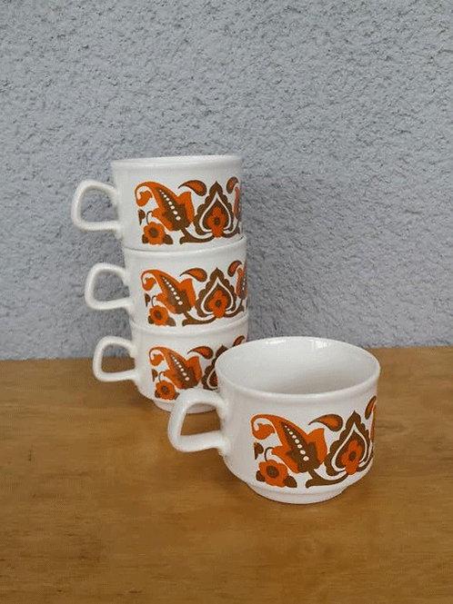 4 tasses à thé Staffordshire