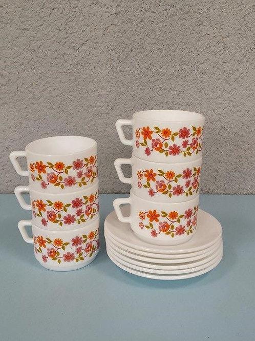 6 tasses à café scania et leurs soucoupes