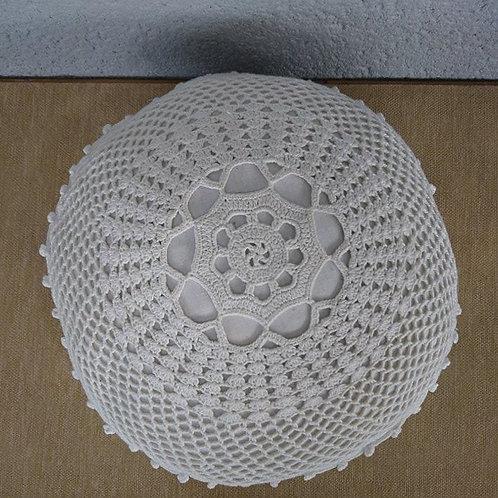 Coussin au crochet blanc 3
