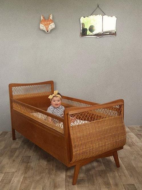 Lit de bébé chêne et osier