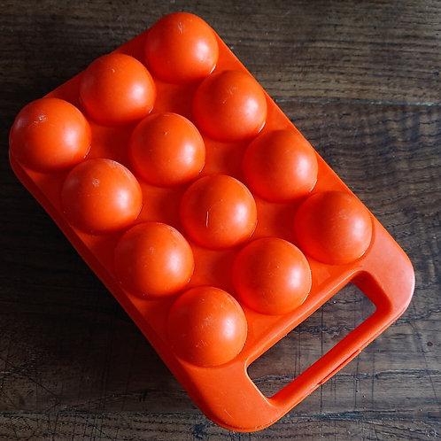 Boîte à œufs orange