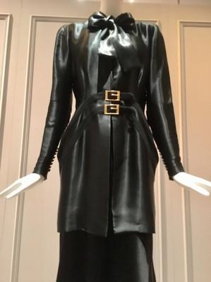Garment Analysis THE KRYSTYNA CAMPBELL-PRETTY FASHION GIFT
