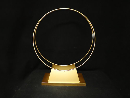 Metal Centerpiece w/base