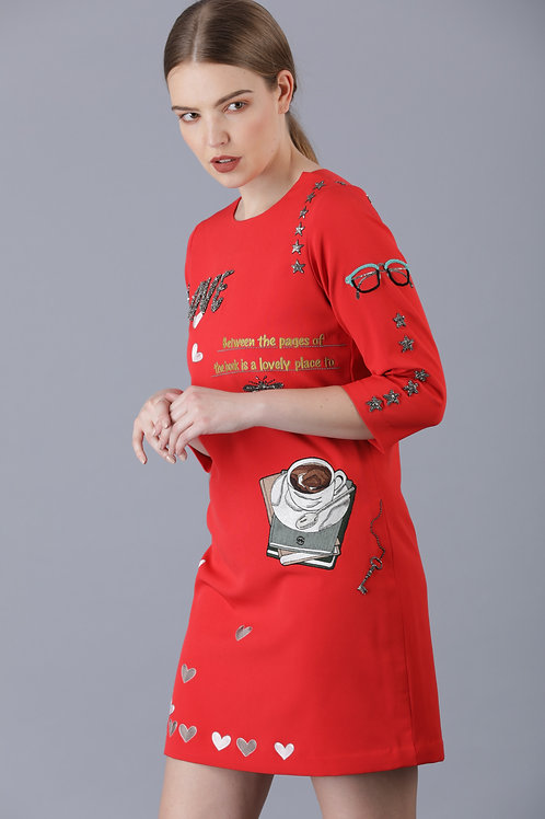 LOVE TO READ T-SHIRT DRESS
