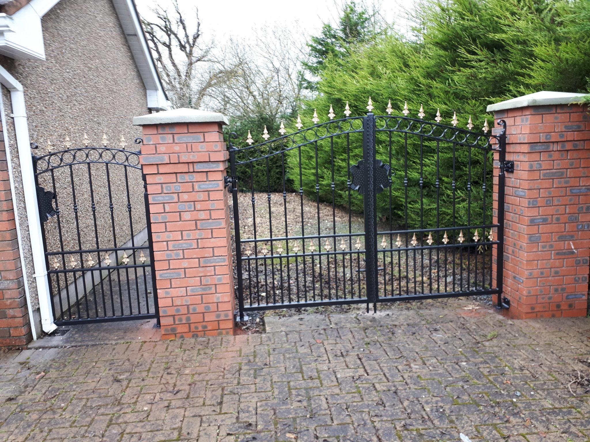 Gates Cavan