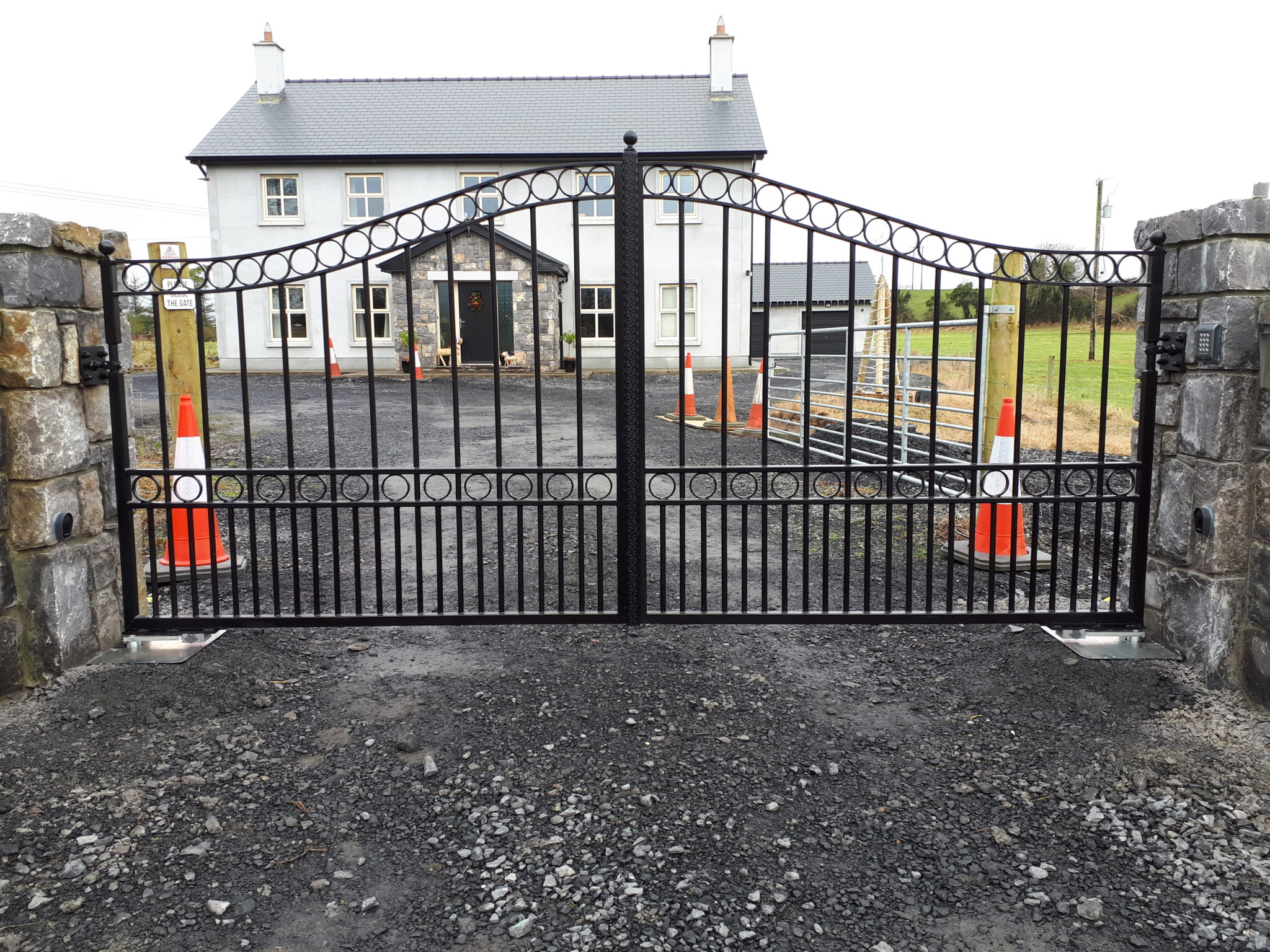 Gates Laurencetown