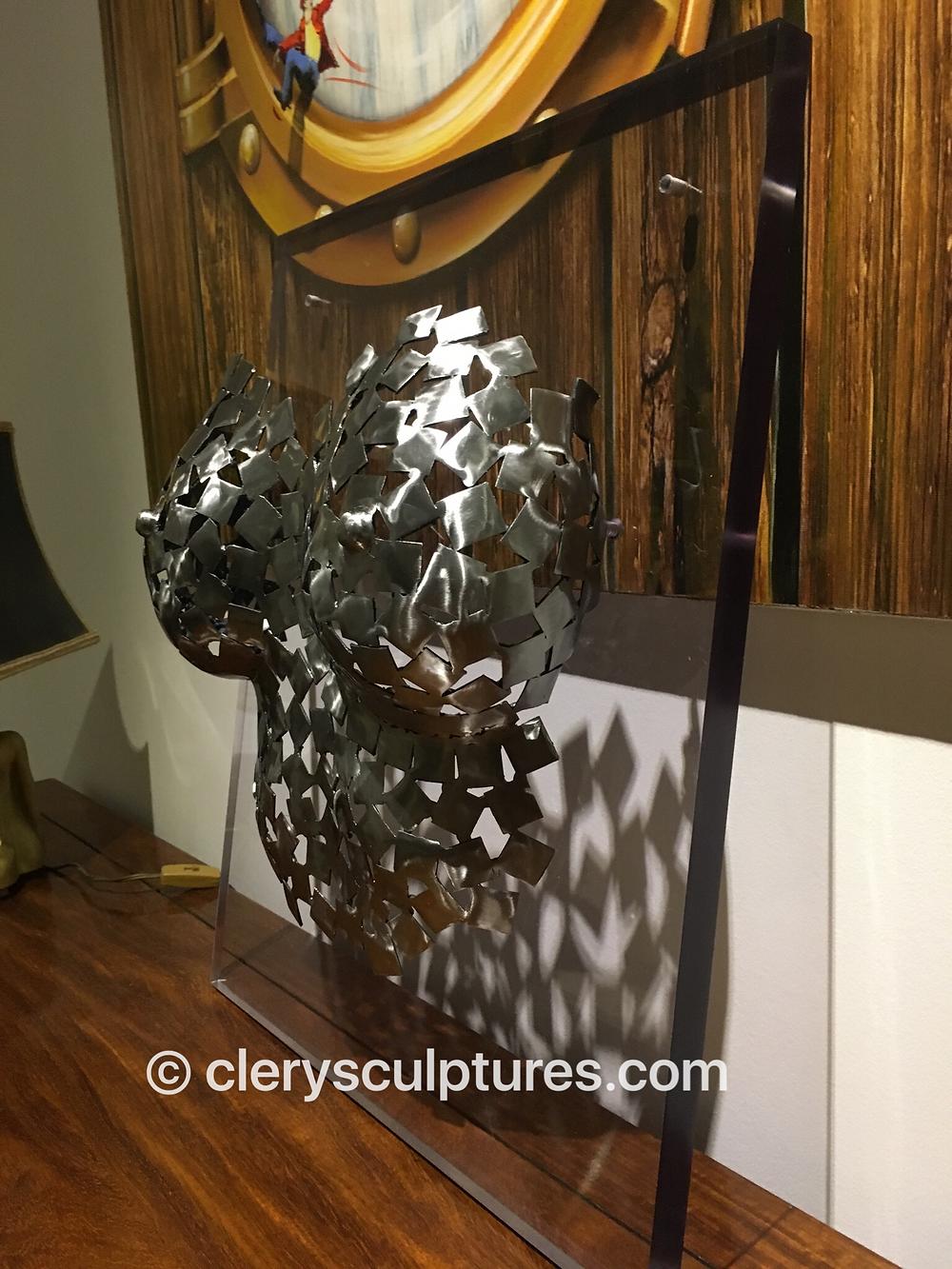 gaïa vue cote droit sculpture acier clery sculptures