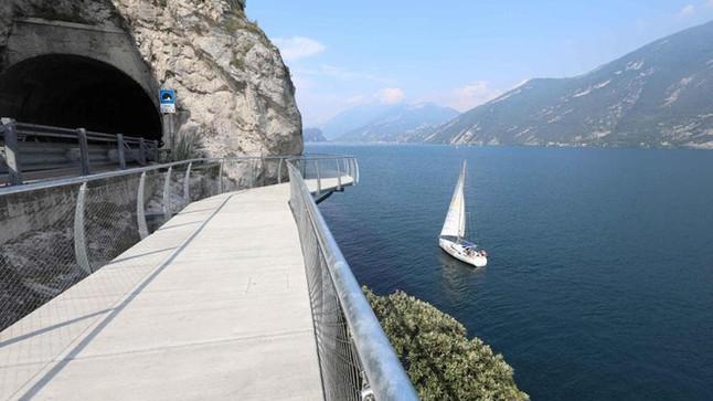 MY BEST MOMENTS  - Lake Garda