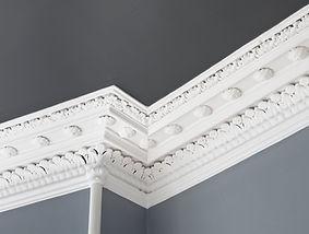Corniche de plafond décorée