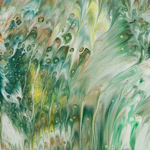 LETNÍ LOUKA, litý a malovaný akryl, 2019, 19x19 cm