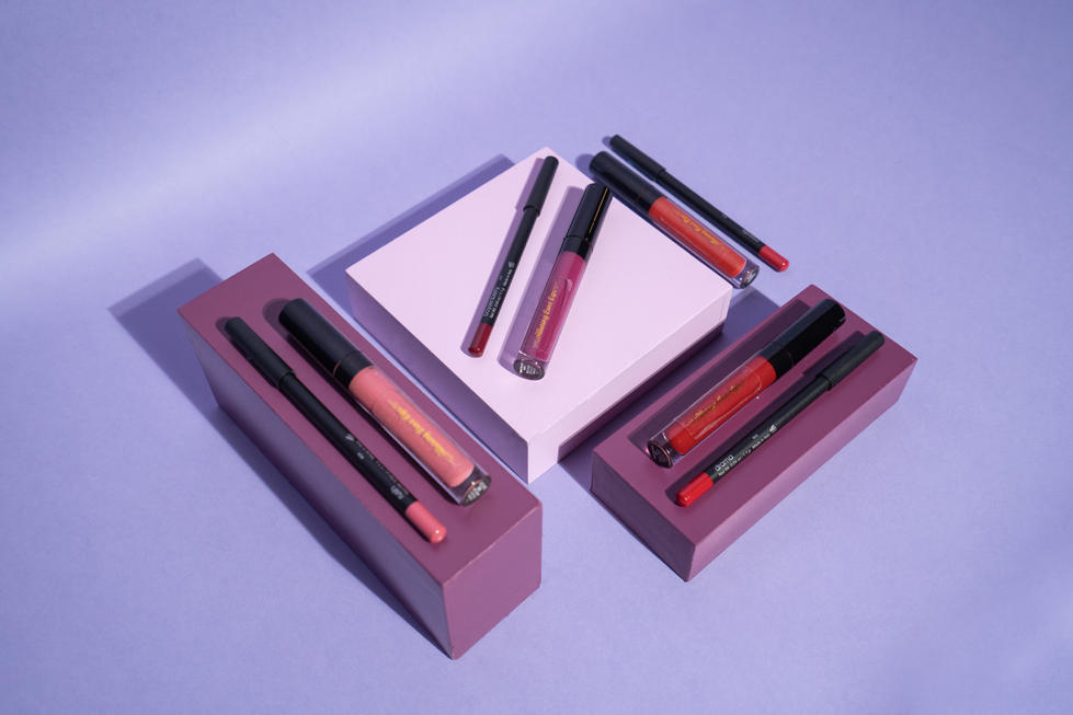 Retro Lip Gloss + Liner on Boxes | Alluring Luxe Lips | Product Photography + Styling | Chromatone Studios