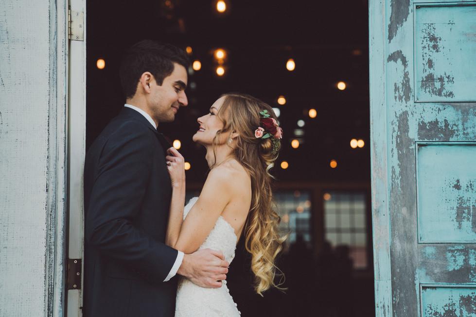 Bride and Groom in Doorway | Wedding Photography | Chromatone Studios