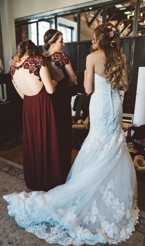 Bride + Bridesmaids Getting Ready | Wedding Photography | Chromatone Studios