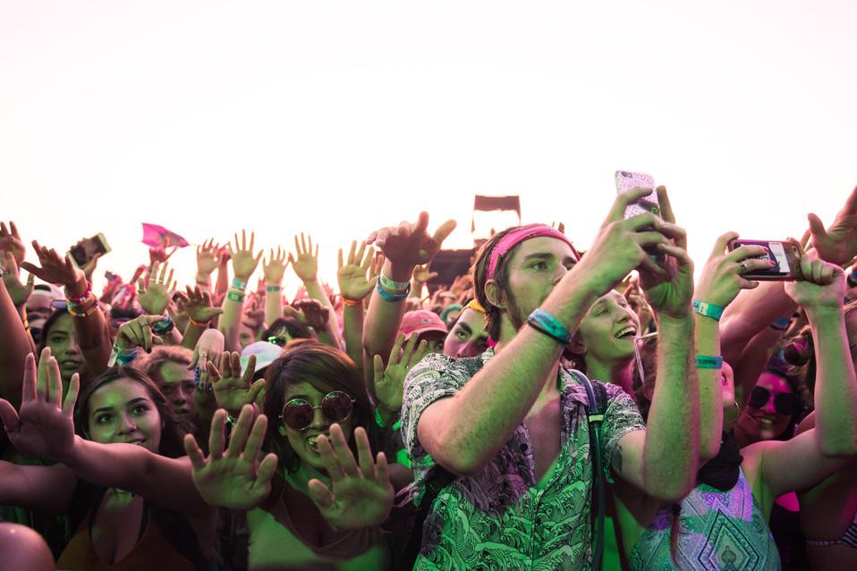 Float Fest | Music Photography | Kelly Ngo | Chromatone Studios