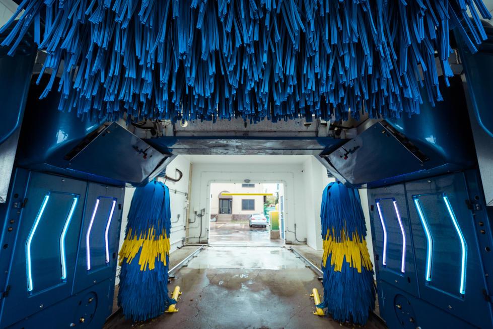 Vibrant Blue Car Wash | GoDaddy | Commercial Photography | Chromatone Studios