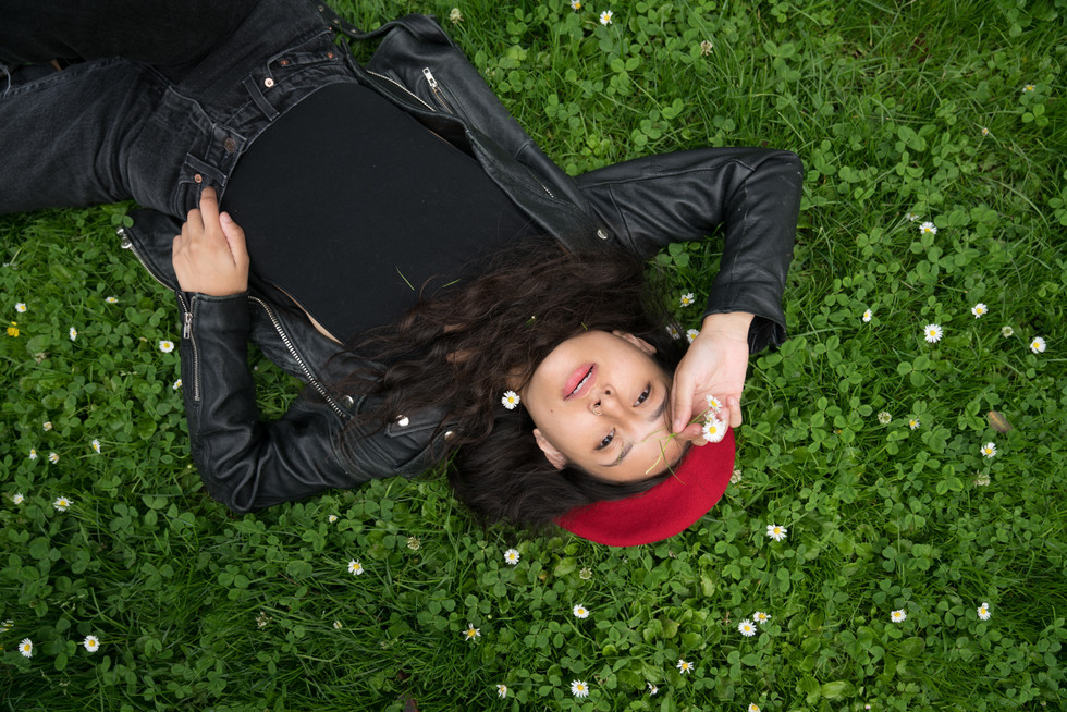 Girl in Beret Laying in Grass | Portrait/Fashion Photography | Chromatone Studios