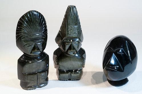 Statuettes obsidiennes noires
