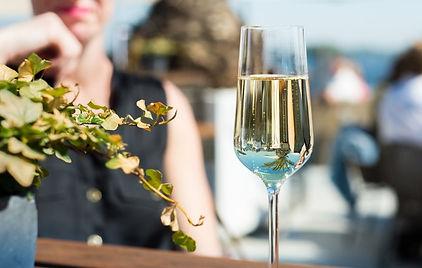 clear-long-stem-wine-glass-2231814.jpg