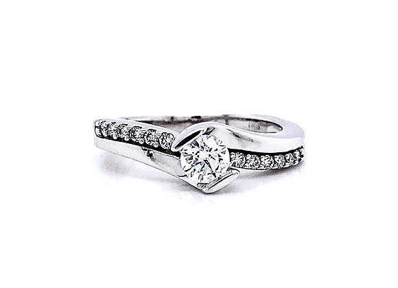 14kt White Gold 0.47ctw Round Diamond Side Stone Ring