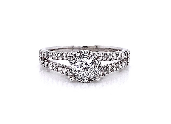 14kt White Gold 0.63ctw Round Diamond Halo Ring