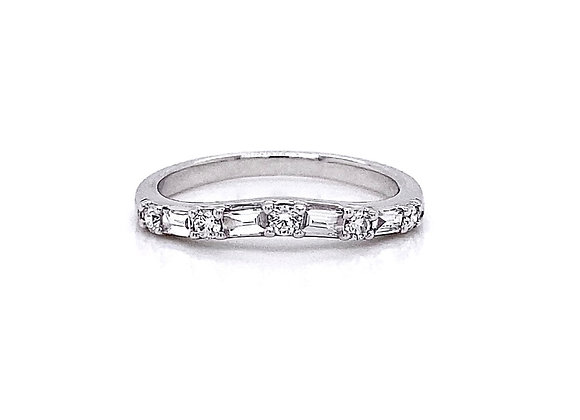 14kt White Gold 0.39ctw Round & Baguette Cut Diamond Band