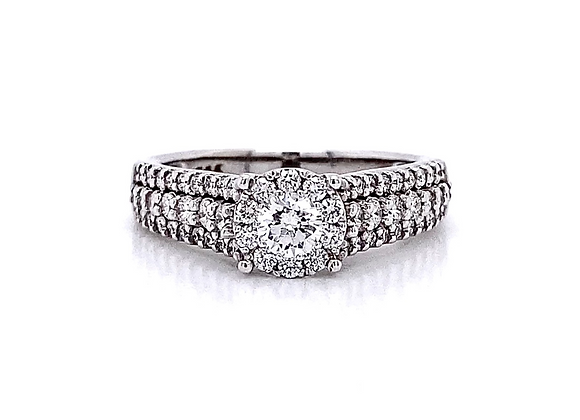14kt White Gold 0.81ctw Round Diamond Halo Ring