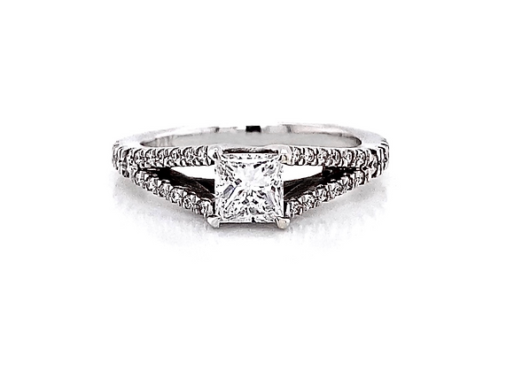 14kt White Gold 0.73ctw Princess Cut Side Stone Ring