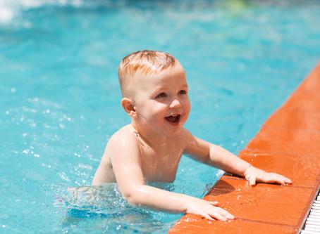 Cuidados importantes com os bebês no verão
