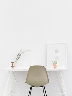 Minimal Desk for a blogging coach