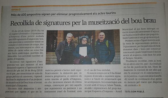 Foto entrega Signatures Ajuntament.jpg