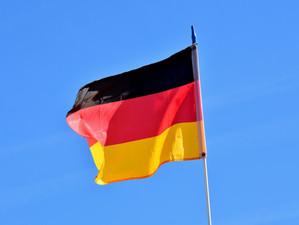 Weekly update: German Embassy highlights German-learning resources, Philip Oltermann online talk