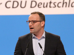 Weekly update: German Health Minister and UK Deputy Chief Medical Officer discuss pandemic