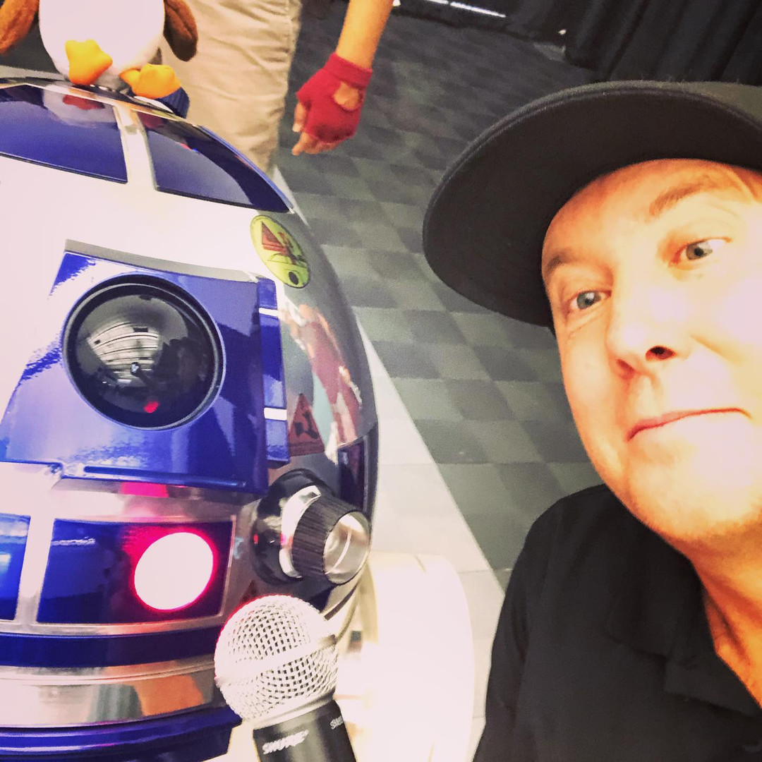 Dj Oz with R2-D2