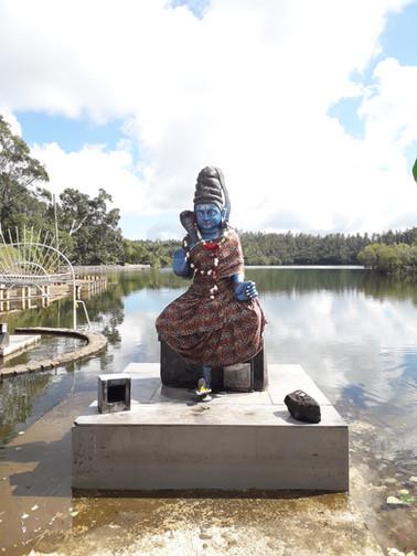 Hinduistický bůh Shiva v Grand Bassin