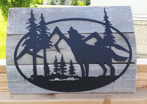 Barnwood with Wolf scene metal art.jpg