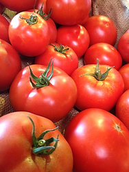 Naturally-Grown Produce Tomates