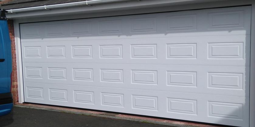 2insulated sectional door white georgian