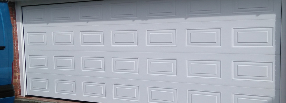 2insulated sectional door white georgian