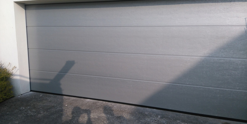 2close up of silver insulated sectional