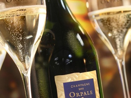 """""""Rich and Incredible"""" 96pts, 2002 De Saint Gall Orpale at Just HK$550/bt"""