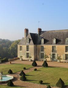 chateau_hodebert_holiday_france-400x516.