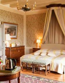 chambre_passiflore_chateau_hodebert-400x