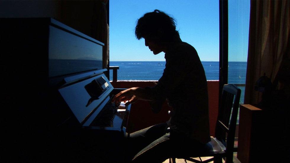 Go Hirano at the Piano.jpg