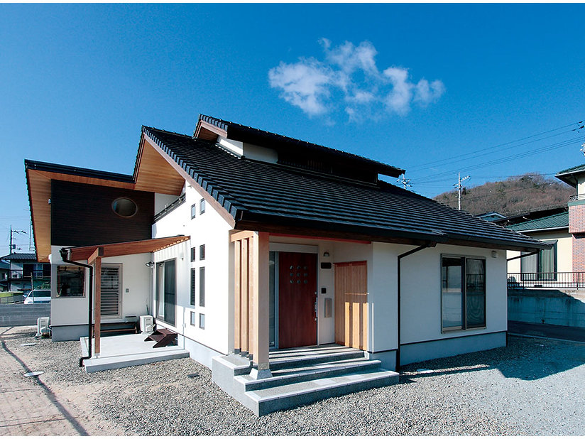 施工事例【新築】丸窓のある家