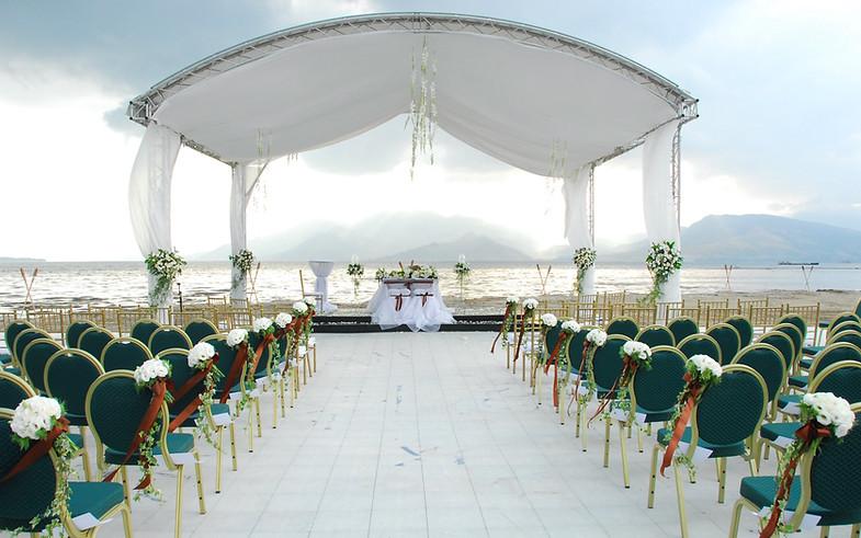 Lighthouse Wedding Setup
